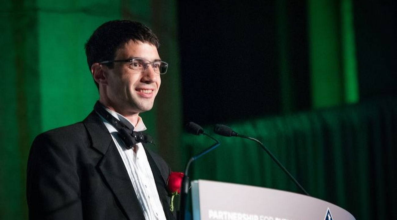 JQI Fellow Jacob Taylor giving his acceptance speech for the 2012 Service to America medal.